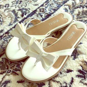 Vaneli white bow slip-on shoes, size 8